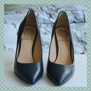 NWOT Vince Camuto Navy Leather Pumps